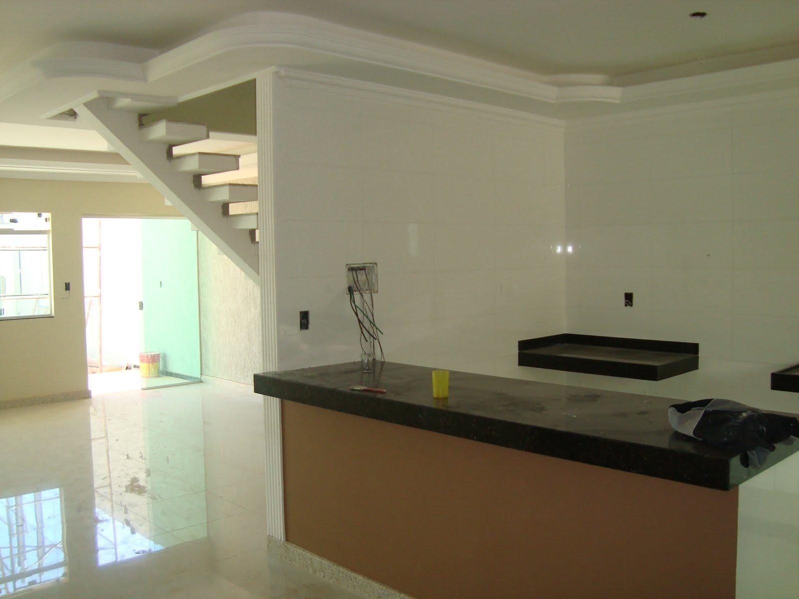 vagas cozinha americana com bancada em granito lavabo acabamento  #5C4326 1600 1200