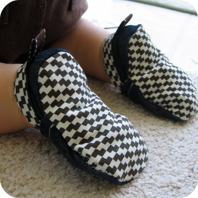 homemade by jill: homemade cloth baby shoes