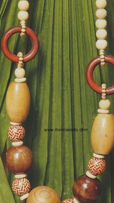 colar de madeira estilo indiano por Thelma Korte
