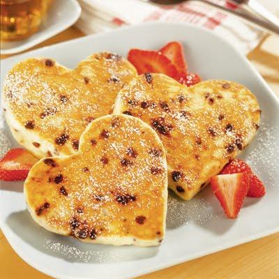 [Valentines+Nestle+Heart+Pancakes]