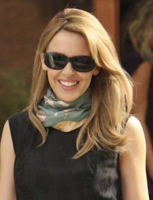 http://4.bp.blogspot.com/_vMzSFyWQj_w/SMOxXNf6zmI/AAAAAAAABTM/vWATFxVJh_U/s400/Kylie-Minogue59.jpg