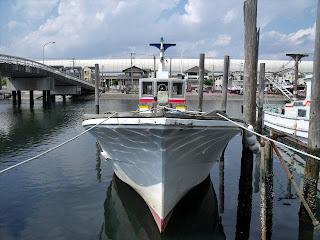 fishing boat in funabashi fishing port