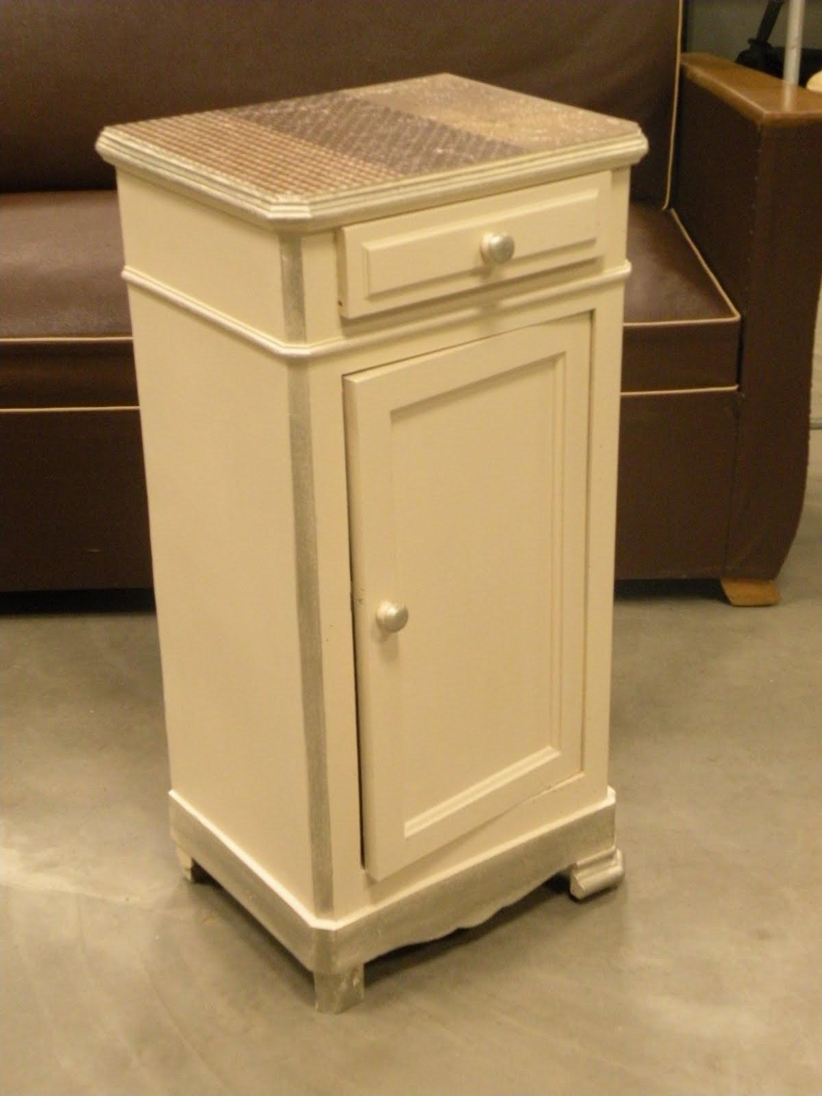 l 39 atelier des f es stage relooking meuble. Black Bedroom Furniture Sets. Home Design Ideas