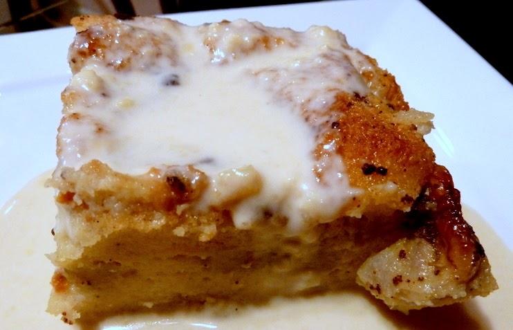 Amy's Yummy Food: Banana Bread Pudding With Vanilla Sauce