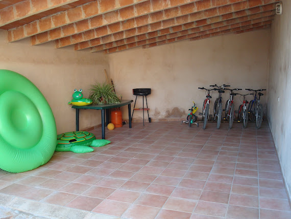 Garaje con Bicicletas...Garage and Bicycles