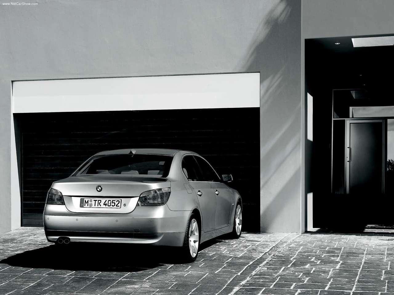 BMW - Auto twenty-first century: 2004 BMW 5 Series
