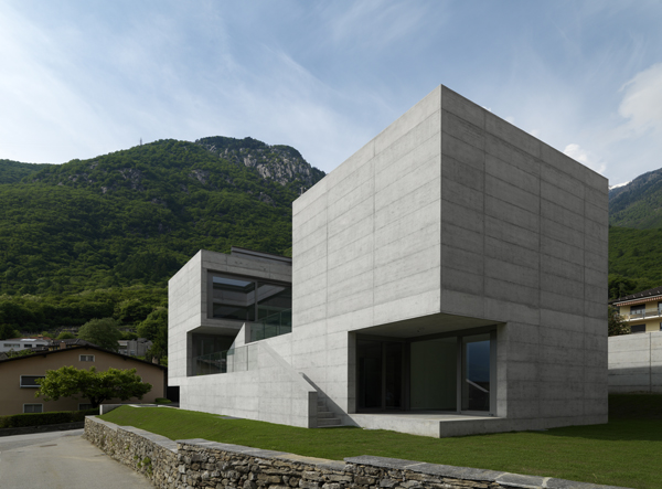 Concrete suburban residential house alps switzerland for Beautiful residential houses