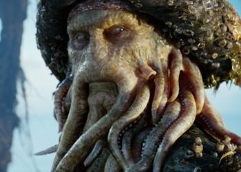 """Se comió un calamar y le """"embarazó"""" la boca"""