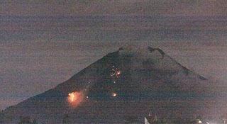 Foto Gunung Sinabung Meletus
