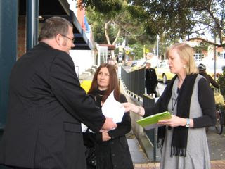 Darren Lewin-Hill presents a letter to Northcote MP, Fiona Richardson