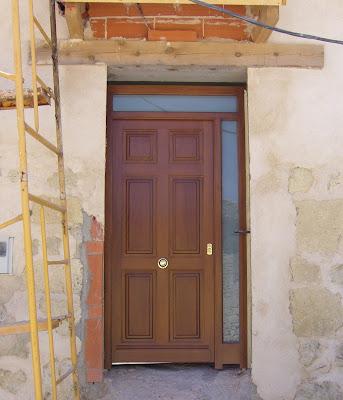 Mi casa por euros puerta principal en madera de iroco - Tejadillo para puerta ...