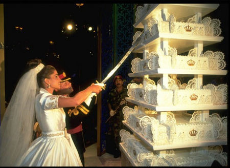 0800 Jukebox: yahoo!.xtra\'s - Eight wedding cakes we can\'t believe