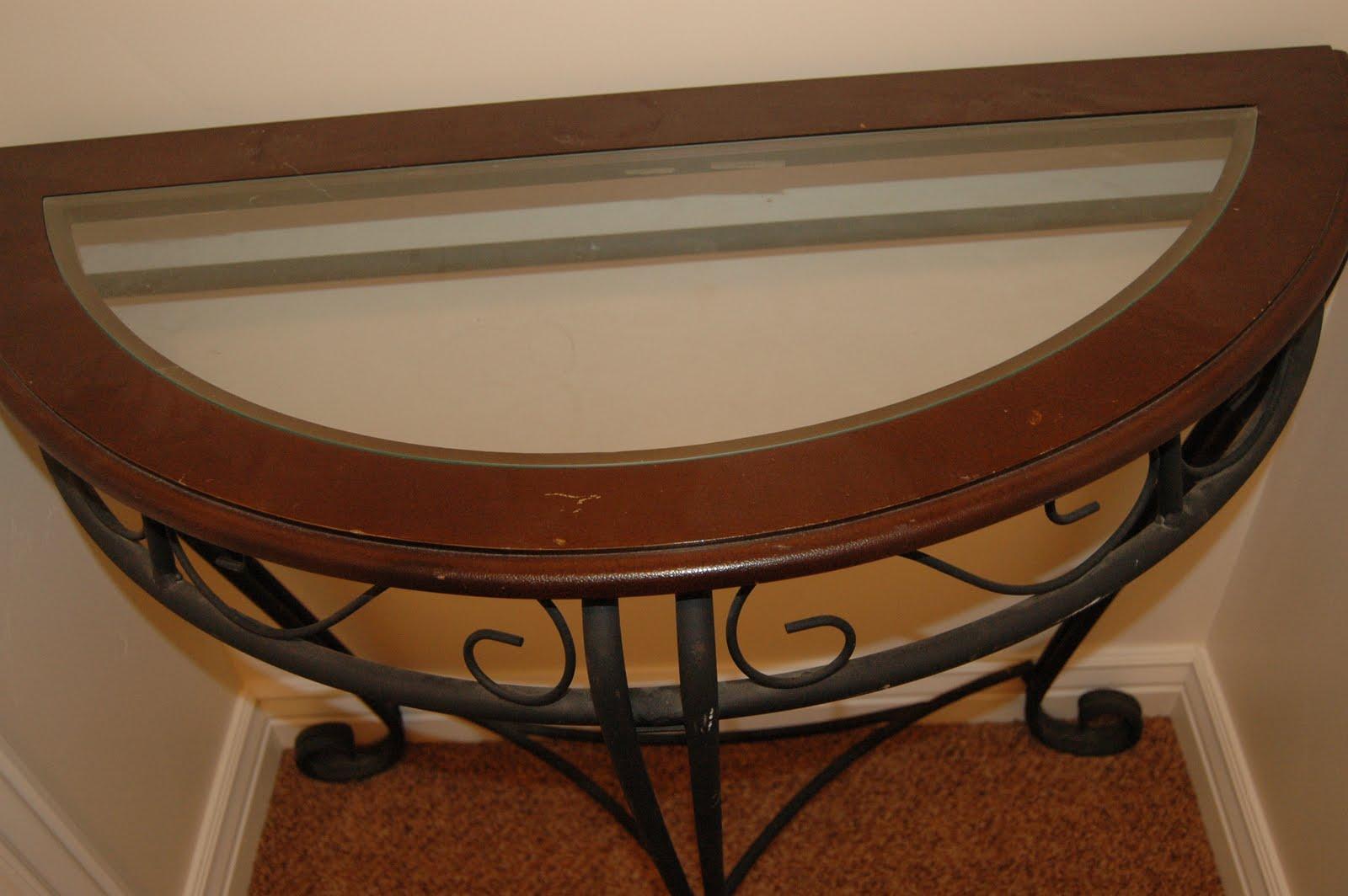 my good stuff 4 sale blog half circle end table sold. Black Bedroom Furniture Sets. Home Design Ideas