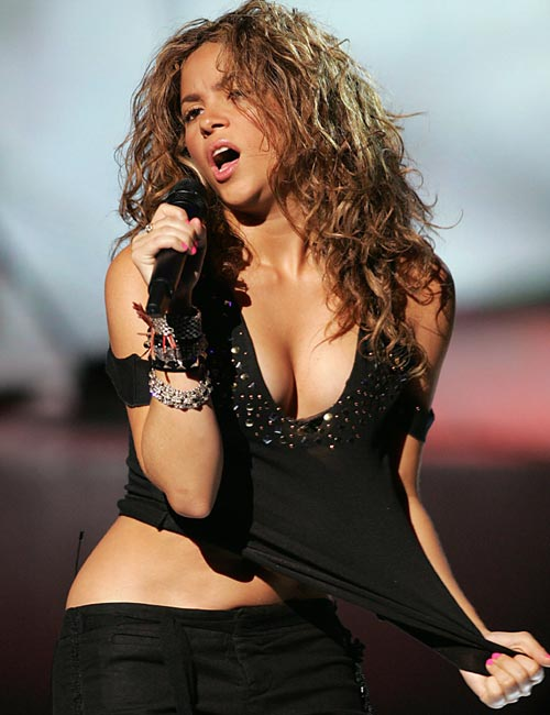 Shakira, Hot Shakira, Shakira Singer Of Waka Waka Song, Photos, Wallpapers,