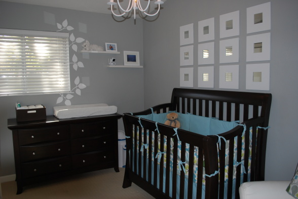 Grey walls in nursery thenest - Cuarto de bebe nina ...