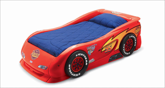 kids bed: kids-car-bed
