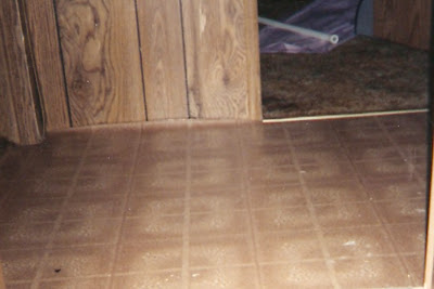 The old house in texas how to paint vinyl floors has been for Paint old vinyl tile floor
