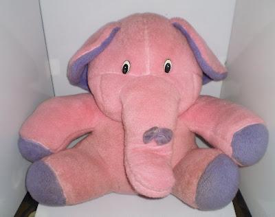 Nagy rózsaszín elefánt