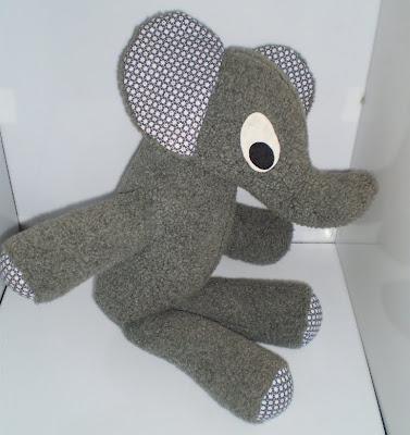 Nagy szürke elefánt - Retro