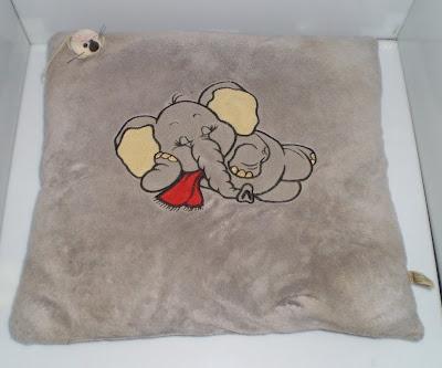 Szürke elefántos plüss párna kis egérrel