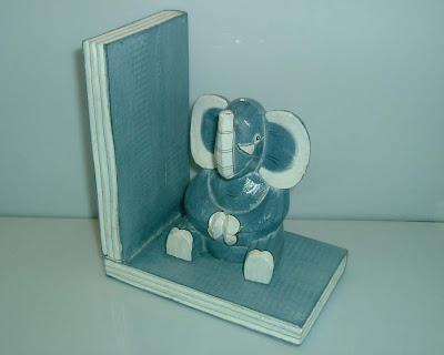 Elefántos könyvtámasz