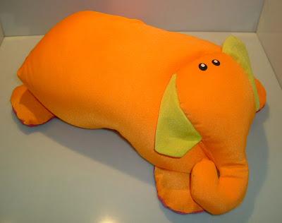 Narancssárga elefánt párna