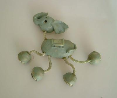 Vékony lábú elefánt mágnes