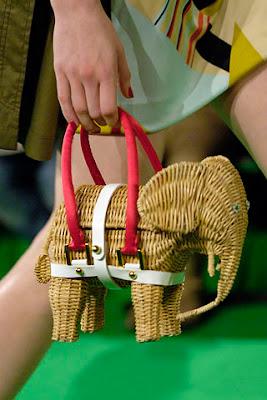 Elefántos rattan táska