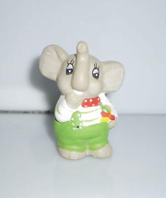 Zöld nadrágos elefánt