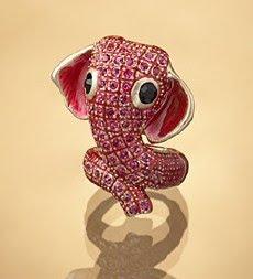 Piros elefántos gyűrű