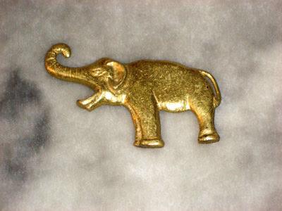 Elefántos sörnyitók
