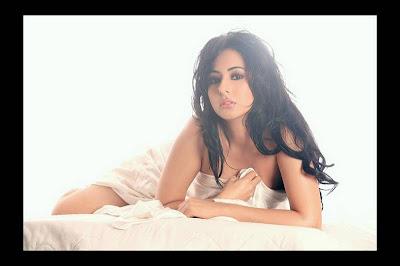 Mumbai model Sakshi Sexy Photos
