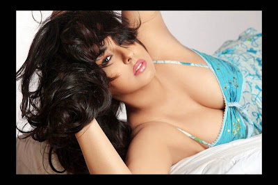 Mumbai model Sakshi Sexy Photos