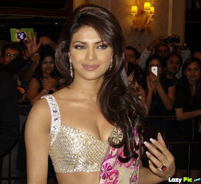 "Priyanka Chopra hot in saree Stills Gallery""  id="