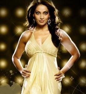 Sexy actress Bipasha basu Bikini pictures