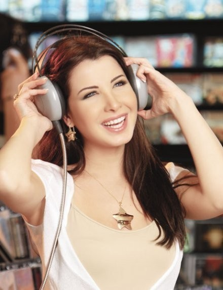 Hottest Arab Singer And Model Nancy Ajram sexy Pictures