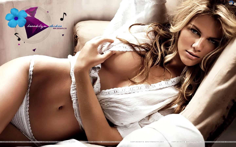 Erotic bra photos