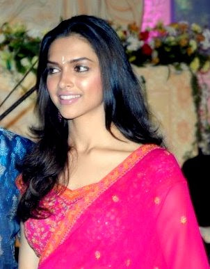 deepika in saree