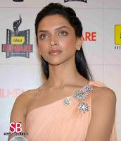 Deepika Padukone Filmfare Awards Pictures4