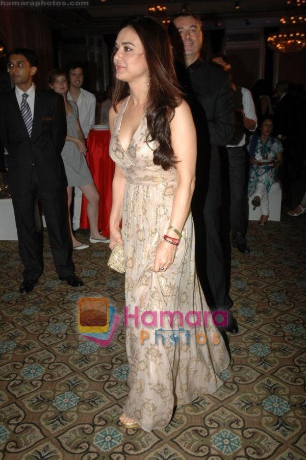 70baa132f Bollywood Actress Preity Zinta