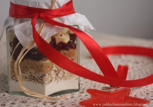 ciasteczka z żurawiną i białą czekoladą