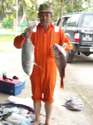Fishing adventurers in Brunei waters: February 2009