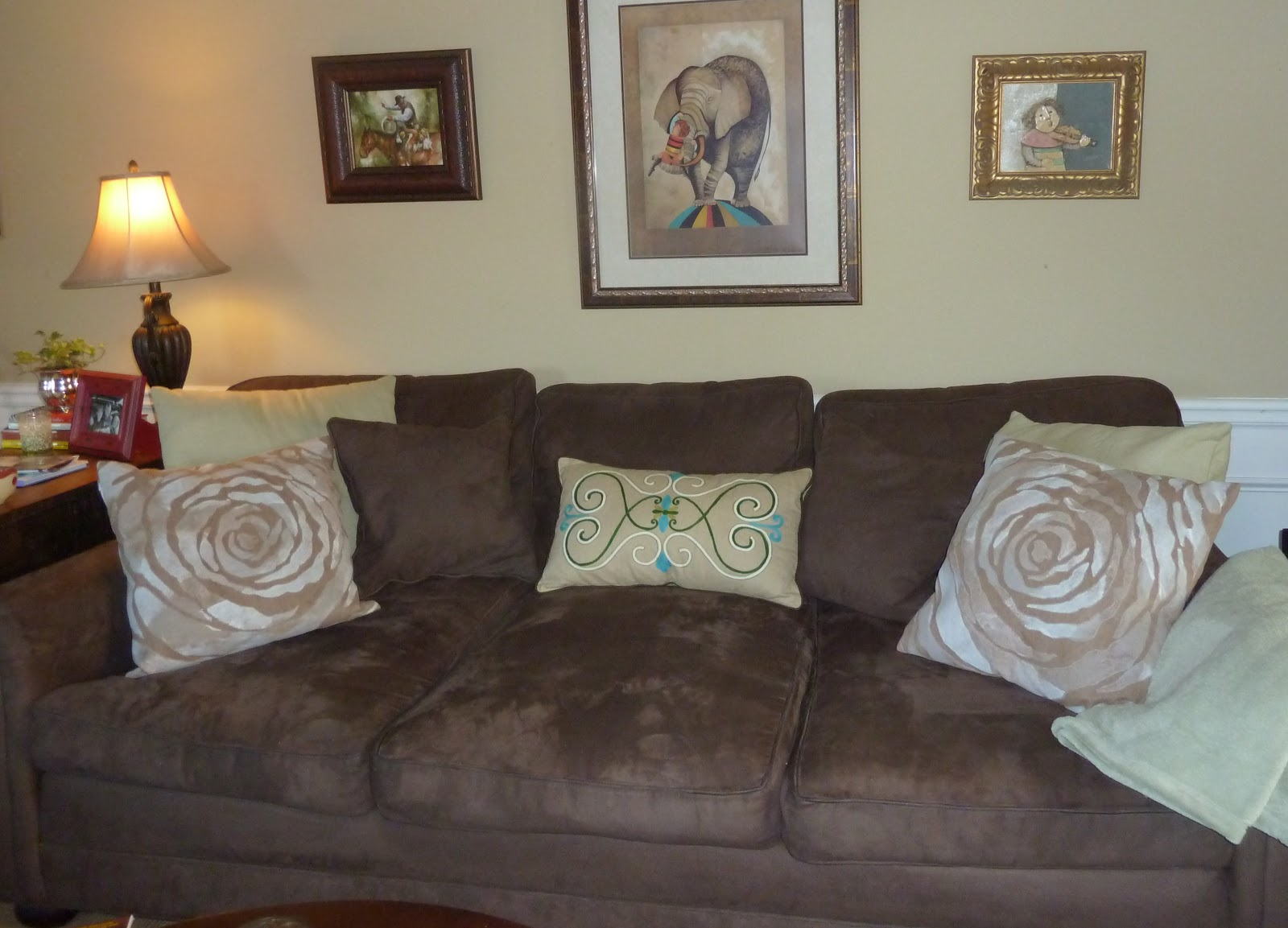 Toss Pillows For Brown Sofa