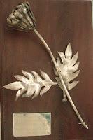 Premio 2do. Lugar en los XVIII JUEGOS FLORALES NACIONALES DE LA PLATA 2001 en Taxco, Gro. Mexico