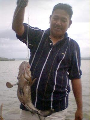 Kaki Pancing Dapat Ikan Kerapu