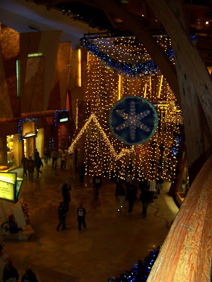 Feather News Photos Holiday Decorations At Mohegan Sun
