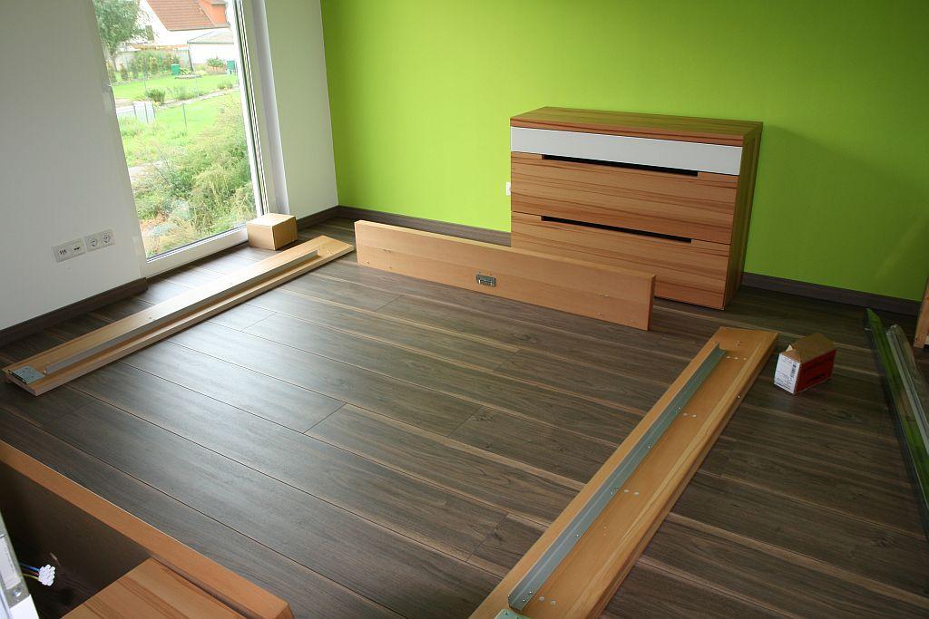 von der miete in die eigenen w nde unsere erste ladung m bel vom lutz. Black Bedroom Furniture Sets. Home Design Ideas