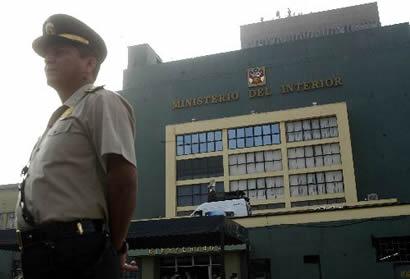 Cerca de 200 denuncias por trata de personas atendi for Ministerio del interior peru