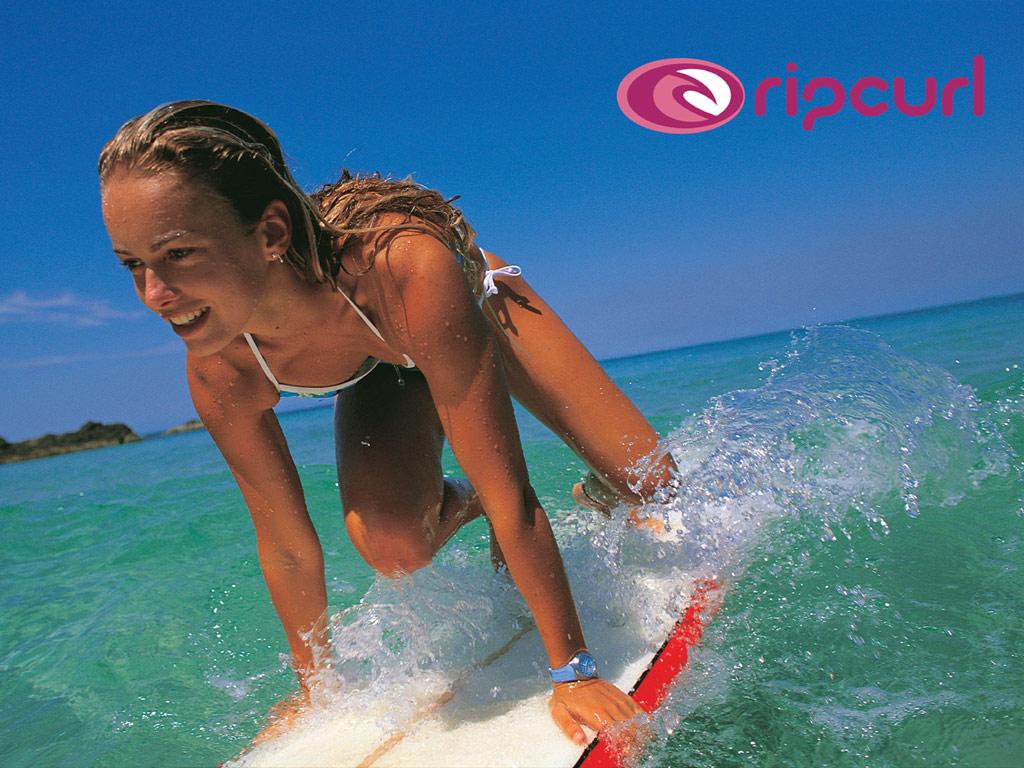 http://4.bp.blogspot.com/_vh9dzRU1ep0/TIpZExzAaYI/AAAAAAAALMc/z-3XaMDvl1I/s1600/wave_surf_wallpaper_surf_chick_800_2.jpg