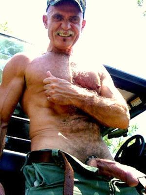 Postado Por Oldermen As Marcadores Homens Semi Nus De Pe